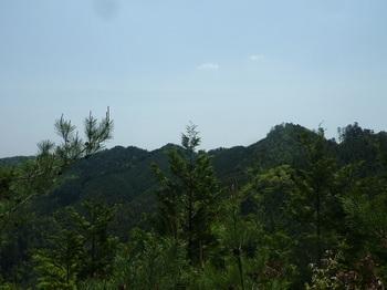 P1160147 640m付近から山頂方向.JPG