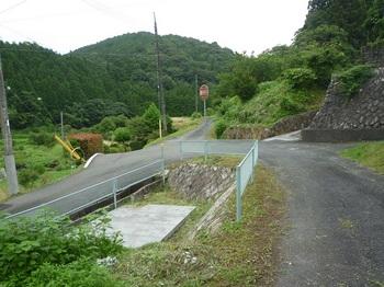 P1170398防火水槽・集落道合流.JPG