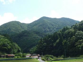 P1170838桂集落から矢櫃山.JPG