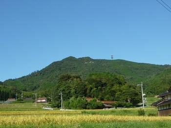P1180115大石集落から西鳳翩山.JPG