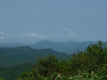 P1180317日尾山(中央最奥).JPG
