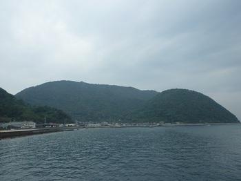 P1190129船上から大滝山.JPG