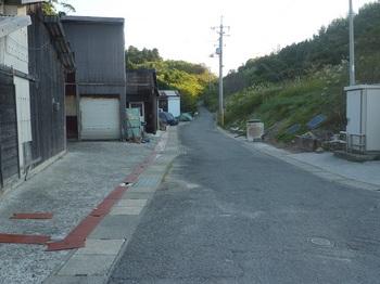 P1190630浄化センターへ向かう舗装道.JPG