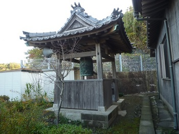 P1200174寺の梵鐘.JPG