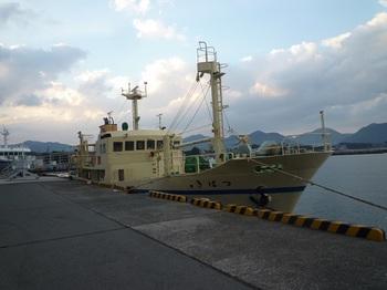 P1200542萩商港の「つばき2」.JPG