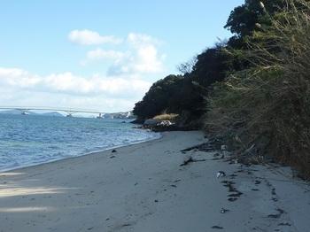 P1200847砂浜(東方向).JPG