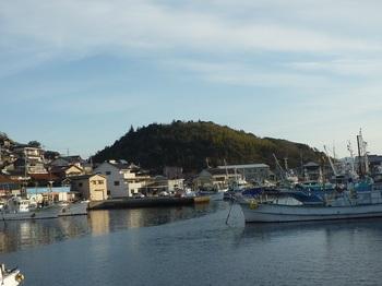 P1210111大島漁港・丸山.JPG