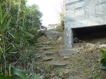 P1210510集落道へ上がる石段.JPG