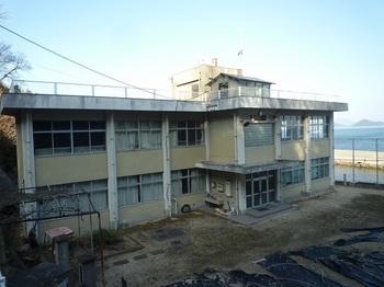 P1210610黒島小中学校.JPG