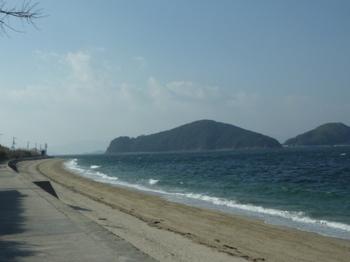P1210768島尻の浜(西側)・端島(見壁山).JPG