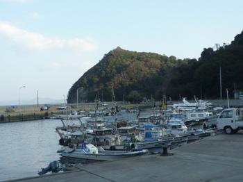 P1210808柱島港・妙見の鼻.JPG