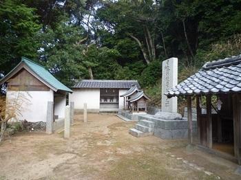 P1210831日露戦役忠魂碑・諸神社.JPG