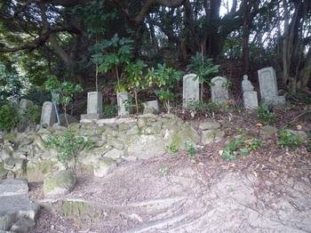 P1220061古い墓地.JPG