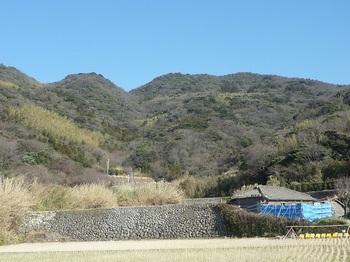 P1220624三浦側から山惣津山.JPG