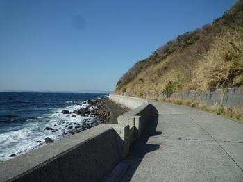 P1220628海岸沿いの県道.JPG