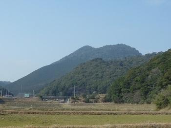P1230398六万坊山・中の嶽が重なる.JPG