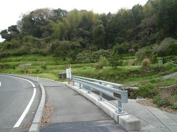 P1230865車道へ出る・四番川橋.JPG