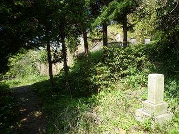 P1240115墓地.JPG