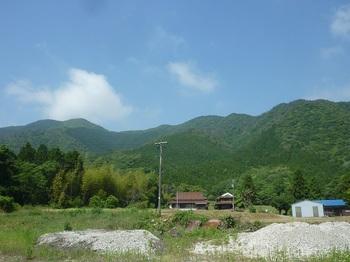 P1250417鯨ヶ岳(左)・縦走尾根.JPG