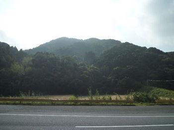 P1280371三角点ピーク「今倉」(大河内交流船体より).JPG