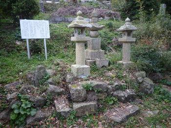 P1290633田代家過労の墓所.JPG