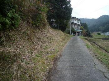 P1300166集落道出合い(逆方向).JPG