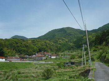 P1330773畑集落・・神宮山・351mピーク.JPG