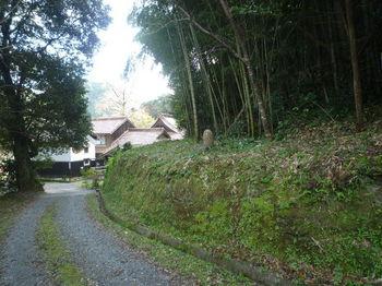 P1350292下降地点(逆方向)・寺.JPG