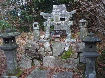 P1350358石祠(金峯神社).JPG