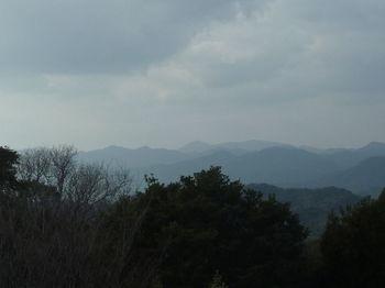 P1360210鬼ヶ城・狩音山(奥).JPG
