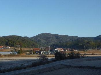 P1360240駐車地付近から平原岳.JPG