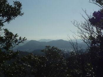 P1360292南東方向の展望(雨乞山・御伊勢山).JPG