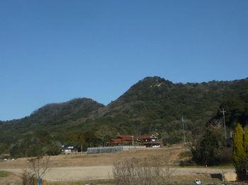 P1360432三角点ピーク・龍岩山.JPG