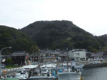 P1370933番山・通漁港.JPG