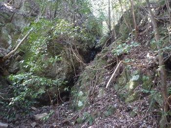 P1370885右谷の涸れ滝.JPG